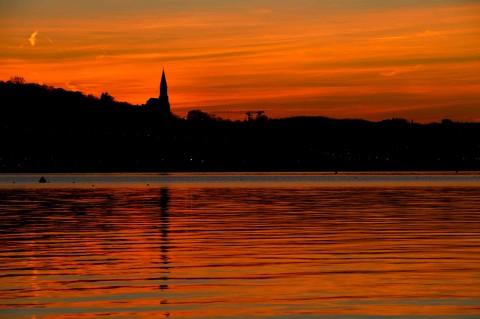 Coucher de soleil sur le lac d'Annecy, décembre 2016