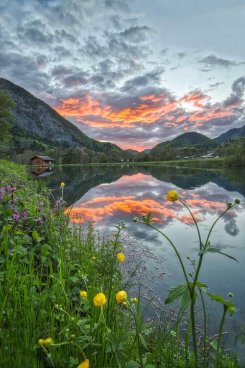 Coucher de soleil au lac de Flérier, Taninges, Mai 2021